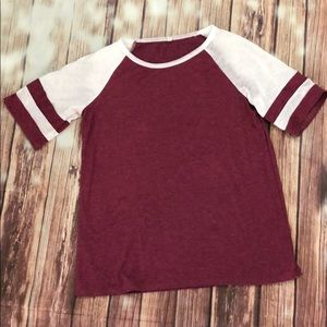 Tops - Varsity jersey T-shirt football burgundy maroon